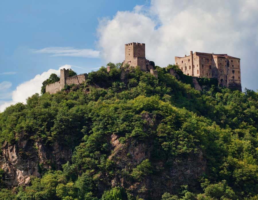 Lake Levico, things to do: castels