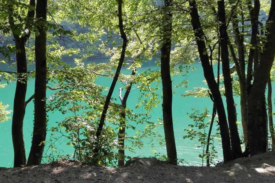 Lago di Levico: colori del lago