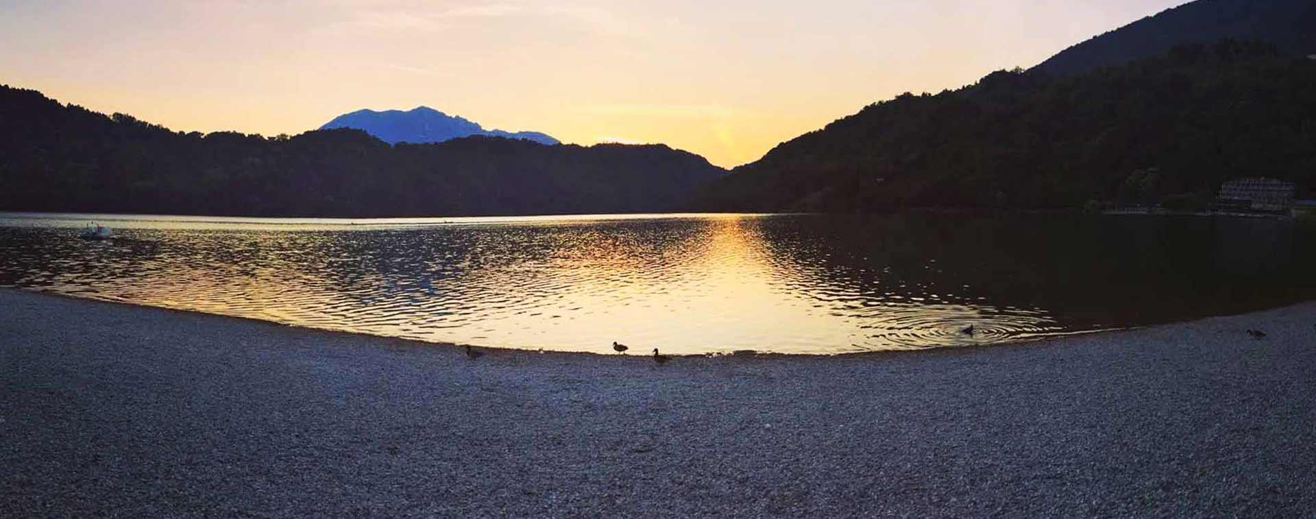 Lago di Levico: tramonto sul lago
